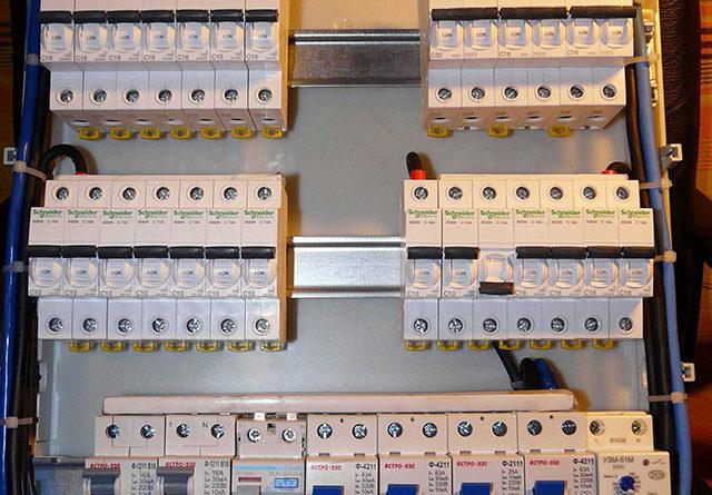 Монтаж своими руками электрических щитов в доме